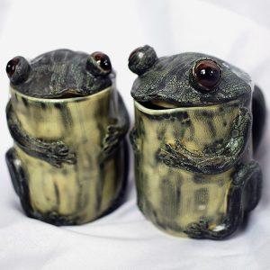 Cream and Sugar Frog Set
